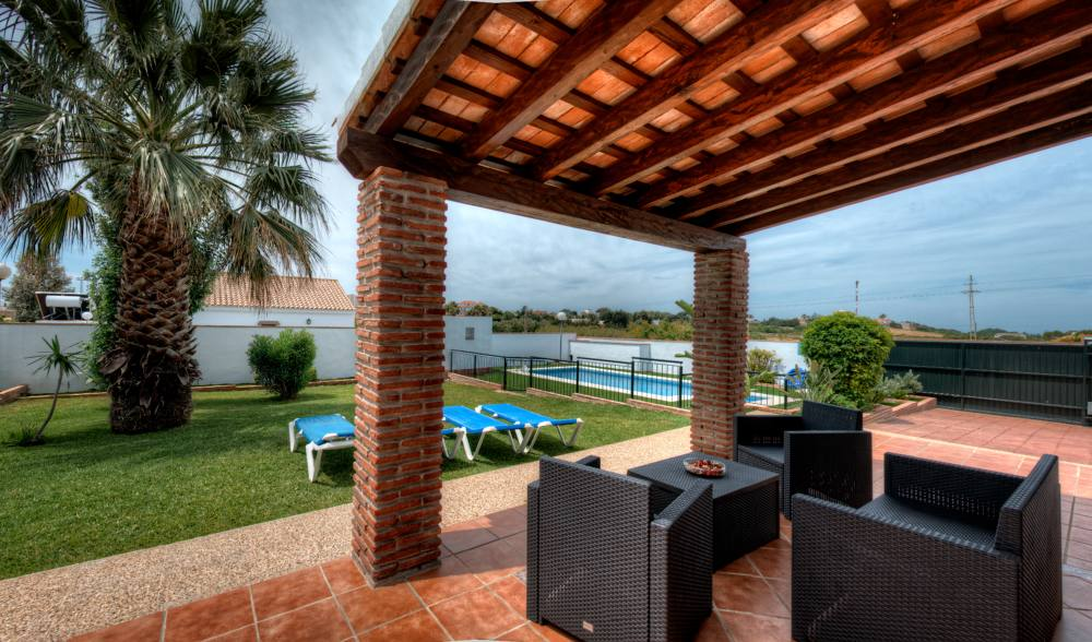 Family Villas With swimming pools and outdoor living areas. Conil